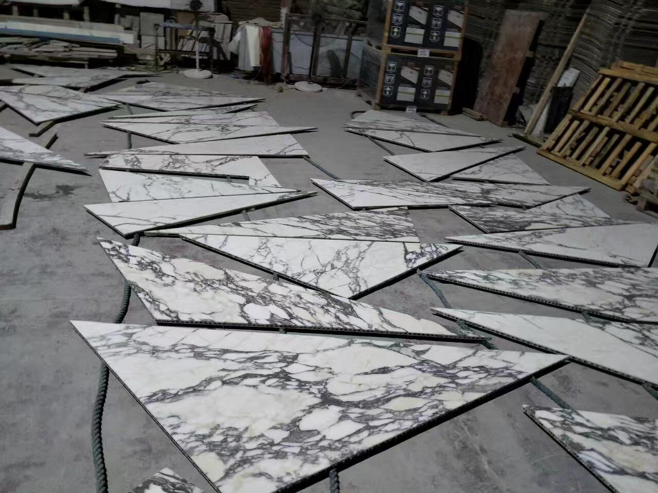 Arabescato marble composited with  aluminum honeycomb